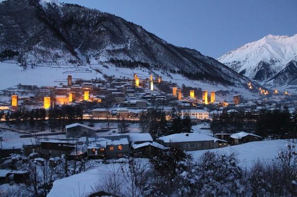 Mestia d'inverno. Fonte: travel.nationalgeographic.com