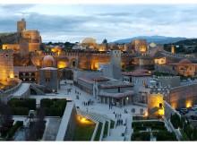 Il Castello Rabati visto al tramonto. Foto: inter-travel.ge
